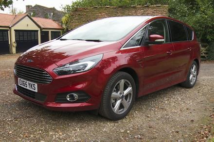 Ford S-max Estate 2.5 FHEV 190 Titanium [Lux Pack] 5dr CVT
